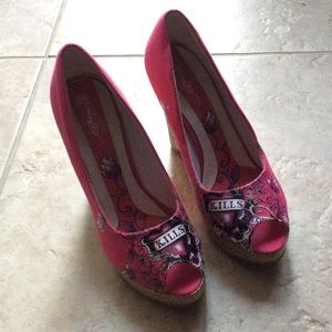 Ed Hardy pink wedge pumps size 8